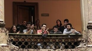 Публика в парламенте Уругвая после принятия закона о регулировании выращивания и торговли марихуаной. Монтевидео 31/07/2013