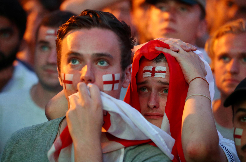 En la ciudad de Brighton, los aficionados ingleses no ocultaron sus lágrimas.