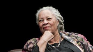 Mwandishi Mmarekani mwenye asili kutoka Afrika, Toni Morrison, aliyepata Tuzo ya Nobel kwa Fasihi.