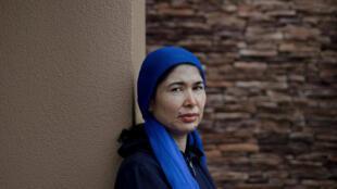 """现居弗吉尼亚州的图尔苏娜依·孜亚伍敦说,她在新疆的一个拘禁营中被强奸。""""你那时候只想死,但不幸的是你没死,""""她说。"""