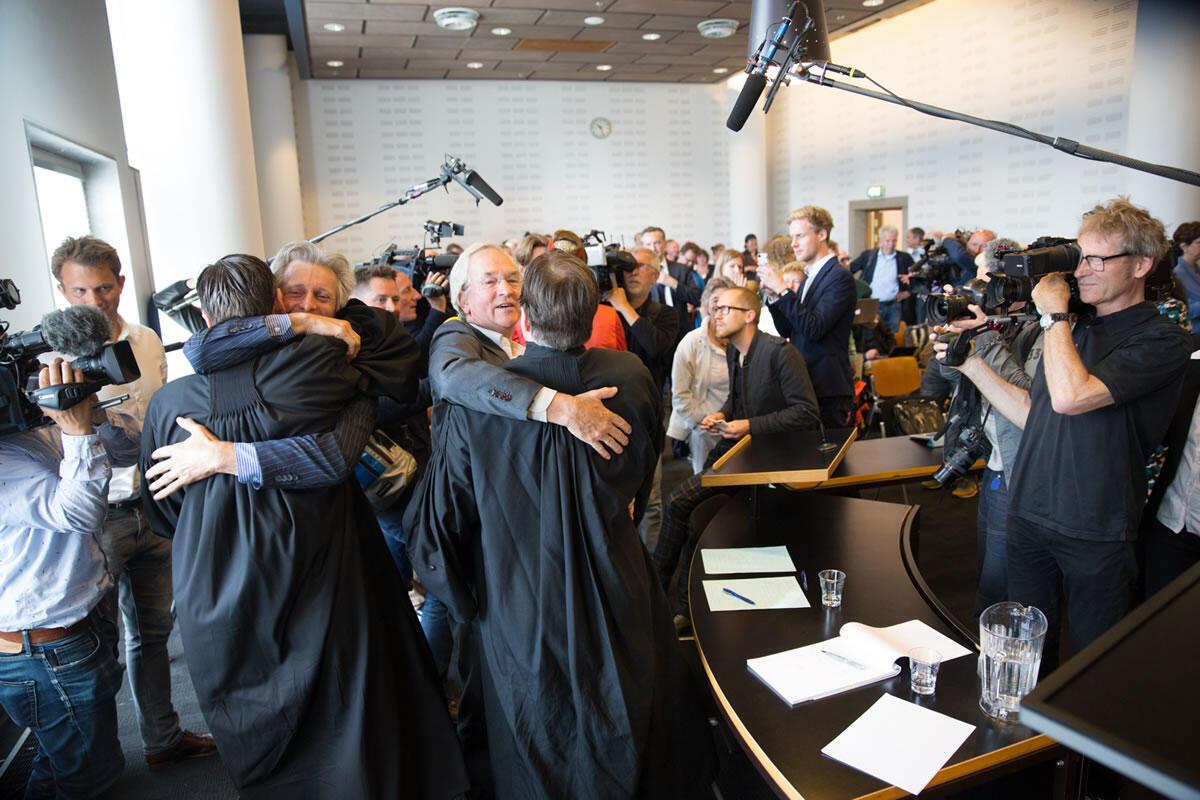 Effusion de joie, dans le tribunal de district de La Haye, qui a rendu une décision intimant à l'Etat de faire plus d'efforts en matière de réduction des gaz à effets de serre, ce merciredi 24 juin 2015.