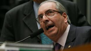 Eduardo Cunha é apresentado pela imprensa internacional como o arquiteto do impeachment.