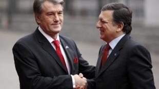 Victor Iouchtchenko reçoit José Manuel Barroso pour le sommet UE-Ukraine.