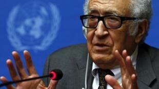 Mediador da ONU e da Liga Árabe para o conflito, Lakhdar Brahimi, reconhece que não houve avanços reais nas negociações  até o momento.
