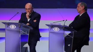 Henrique Meirelles (à gauche) et Ciro Gomes (à droite), deux candidats à l'élection présidentielle, lors d'un débat télévisé, le 9 août 2018.