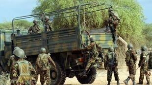 Kenyan soldiers on their way to Somalia to fight al Shebab