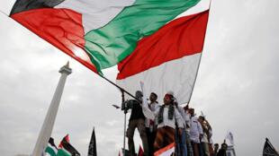 تظاهرات در شهر جاکارتا برای اعتراض به آمریکا