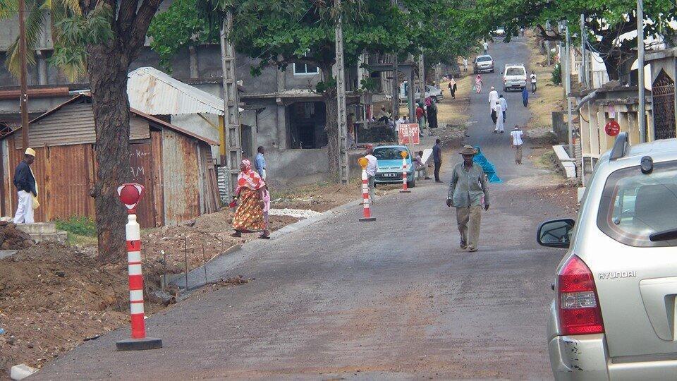 S'il est peu suivi dans la capitale, le mouvement de grève l'est très largement dans les régions où les routes principales sont dans un état de délabrement avancé.
