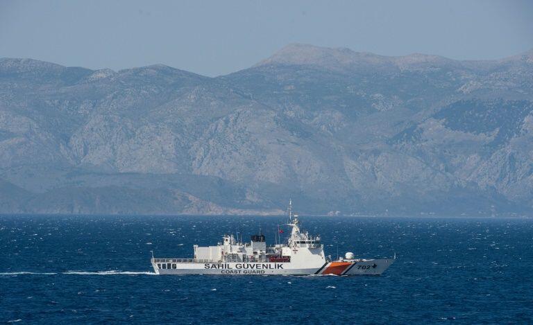 Meli ya walinzi wa pwani ya Uturuki ikipiga doria katika bahari ya Aegean, Aprili 20, 2016.