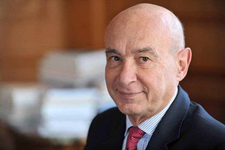 Сенатор от партии «Республиканцы» Клод Малюре был одним из 16 парламентариев, которые проголосовали против резолюции о снятии санкции с России.