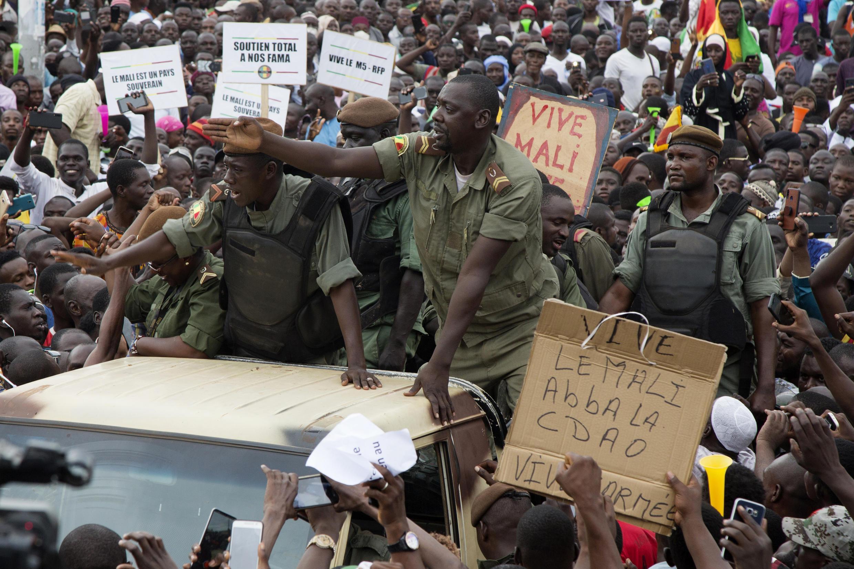 Malian demonstrators on Friday hailed soldiers for the military overthrow of President Ibrahim Boubacar Keita