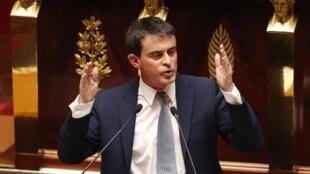 O primeiro-ministro Manuel Valls durante seu pronunciamento na Assembleia Nacional.
