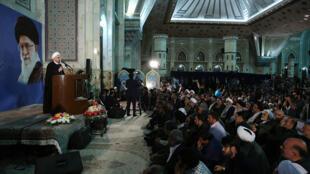 حسن روحانی، رییس جمهوری اسلامی در مراسم بیست وهفتمین سالگرد درگذشت آیت الله خمینی.
