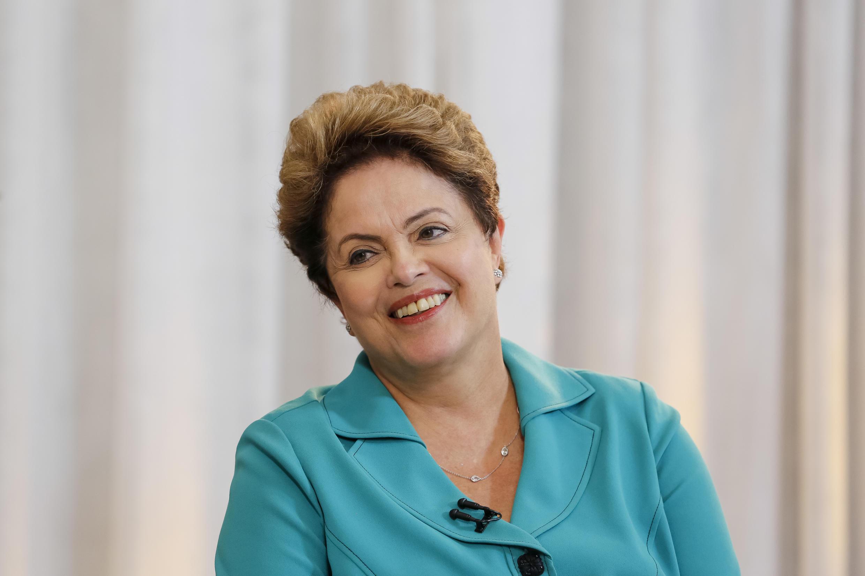 A presidente Dilma em sua primeira entrevista depois de reeleita, ontem, na TV Record.