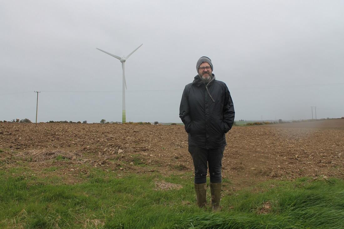 Michael Quirk, cultivateur et producteur d'énergie éolienne à Whitewell, près de Cork.