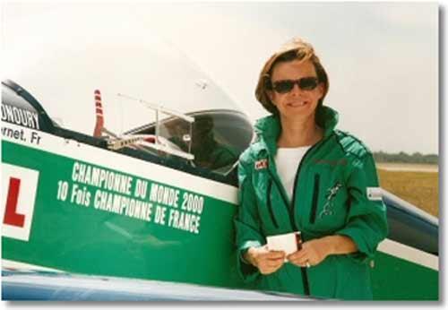 Катрин Монури двукратная чемпионка мира по высшему пилотажу.