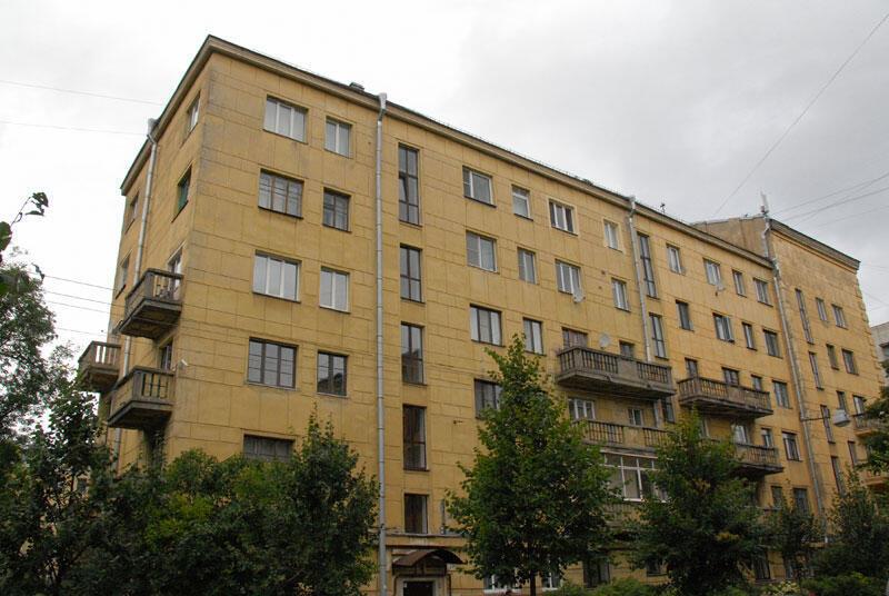 Дом номер 9 в Калужском переулке Санкт-Петербурга
