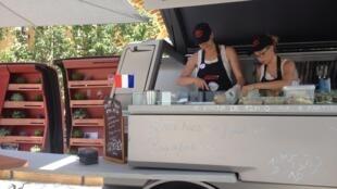 Un food truck de comida francesa durante la Expo de Milán 2015.