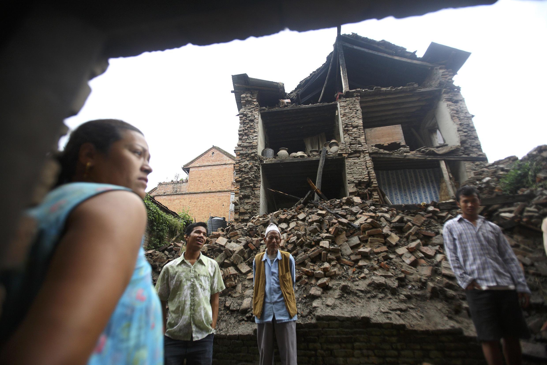 Os estragos causados por um terremoto na cidade de Bhaktapur, no Nepal