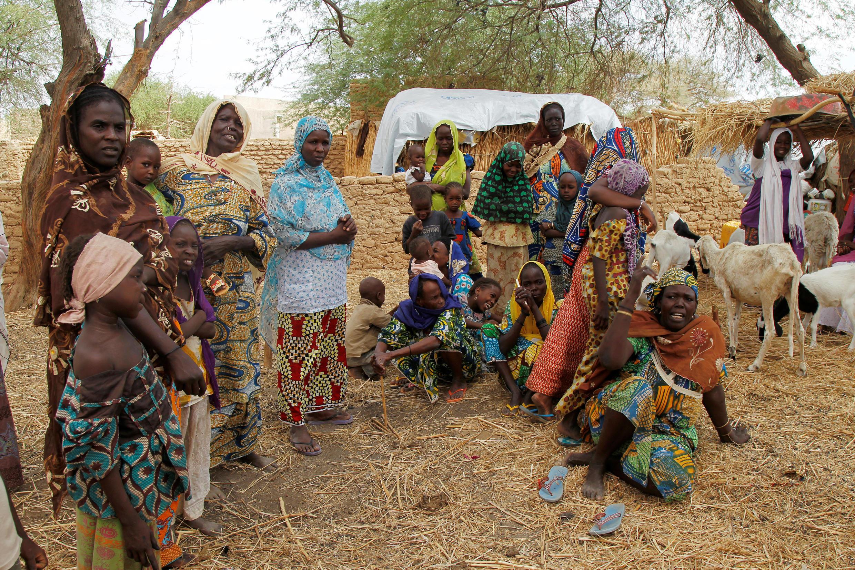 Wasu mata 'yan gudun hijira da Boko Haram suka kora daga kauyukansu