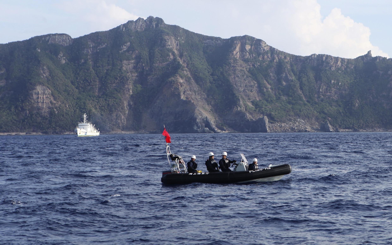 Senkaku/Điếu Ngư : Vùng tranh chấp giữa Nhật và Trung Quốc.
