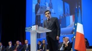 Le Premier ministre François Fillon, le 17 novembre 2009  lors du Congrès annuel des maires de France.