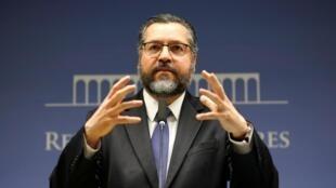 O chanceler brasileiro Ernesto Araújo fez uma das únicas menções à crise venezuelana durante a reunião do Mercosul em Santa Fé.