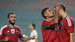 Les Marocains se congratulent durant le victoire décisive face à la Libye, en éliminatoires du Chan 2016.
