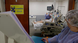 _3_HEALTH-CORONAVIRUS-FRANCE-CARE