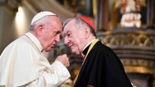 罗马教宗方济各与教廷国务卿帕罗林枢机主教资料图片