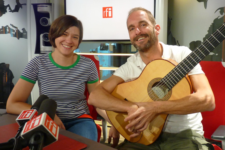 Ana Pinhal y Francisco Almeida en los estudios fr RFI
