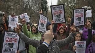 Protesto pede justiça diante da morte do adolescente Trayvon Martin, nos Estados Unidos.