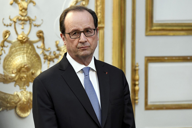 Ministério Público de Paris abriu uma investigação para investigar se o presidente François Hollande revelou um segredo de Estado.
