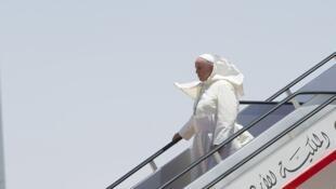 El papa Francisco a su llegada a Amán, sábado 24 de mayo.