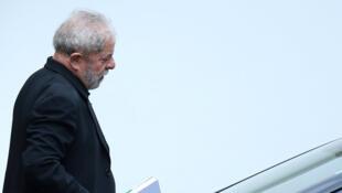Cựu tổng thống Lula tại cuộc họp với các thượng nghị sĩ đảng Lao động tại Brasilia, ngày 09/03/2016.