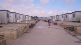 Containers du centre ouverts pour réfugiés Hal Far.