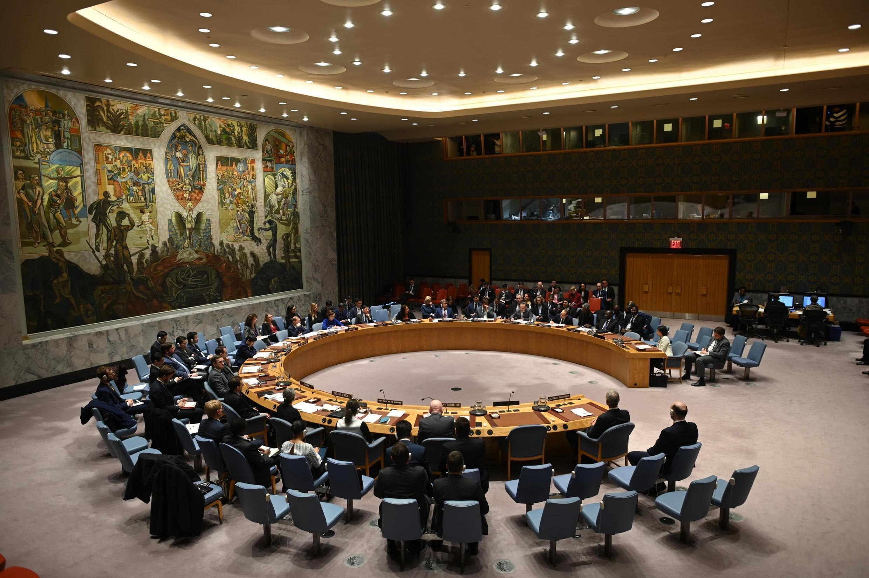 中國與美國反對下,安理會3月30日並未表決有關新冠病毒的決議案。Coincé par l'opposition entre Chine et États-Unis, le Conseil de sécurité de l'ONU n'a pu voter une résolution sur la pandémie de coronavirus le 30 mars 2020.