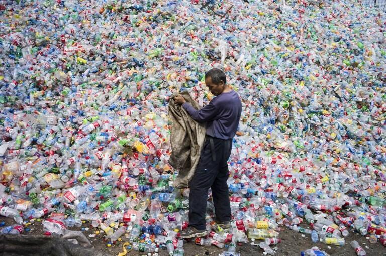 北京昌平區東小口鎮進口塑料回收中心,2015年9月17日 。