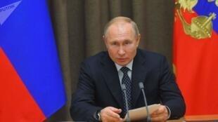 在倫敦北約峰會召開的同一天,俄羅斯總統普京在索契抨擊北約還在擴張           2019年12月3日