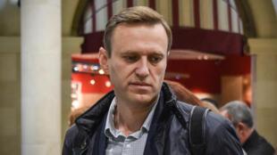 Nhà bất đồng chính kiến Alexei Navalny tại sân bay Domodedovo, sau khi được trả tự do ở Matxcơva ngày 22/10/2017.