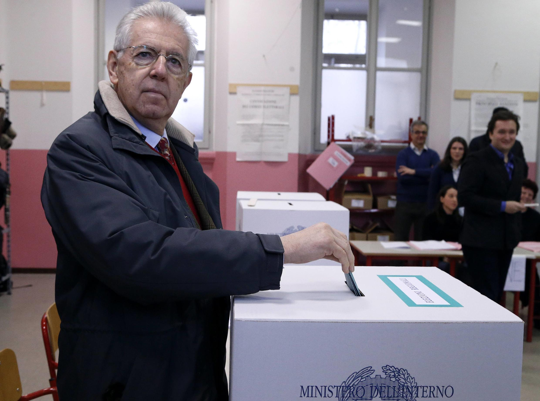 Mario Monti espera imponer sus recetas para sacar a Italia de la crisis a su sucesor.