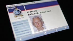 L'avis de recherche de Julian Assange, le fondateur de WikiLeaks, sur le site internet d'Interpol, le 7 décembre 2010.