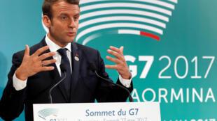 法国总统马克龙在G7峰会上讲话。