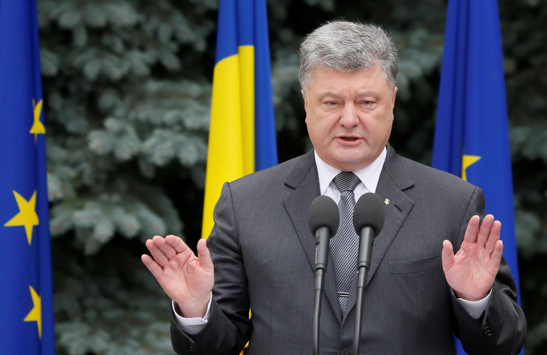 Le président ukrainien Petro Porochenko est confronté à un scandale de corruption touchant sa formation politique.