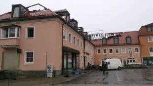 ساختمانی که در شهر باوتسن به آتش کشیده شد