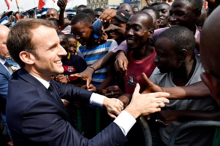 O presidente francês, Emmanuel Macron, em Abidjan. 30 de Novembro de 2017.