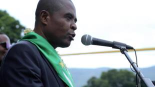 Mahamoud Ahamada, le candidat du parti Juwa à la présidentielle des Comores, devant ses partisans le 6 mars 2019 à Moroni aux Comores.