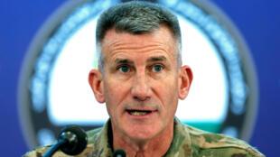 Tướng John Nicholson, chỉ huy quân đội Mỹ tại Afghanistan, trong buổi họp báo ở Kabul, ngày 20/11/2017.
