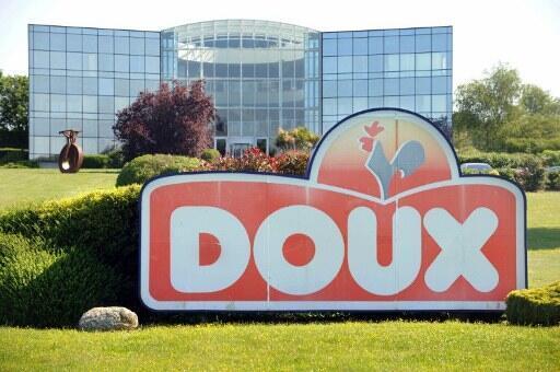 La façade de l'usine Doux à Châteaulin.