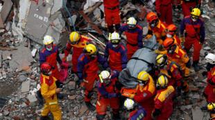 2018年2月9日,台湾花莲地震救援工作仍在继续。